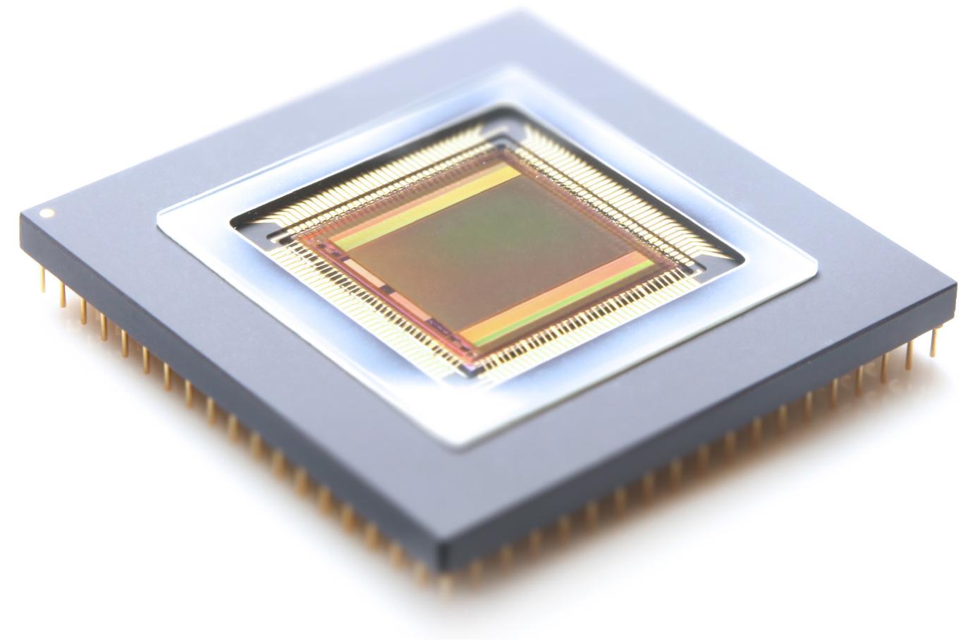 cmos-ccd-technology_sensor_half_width_1380x907px